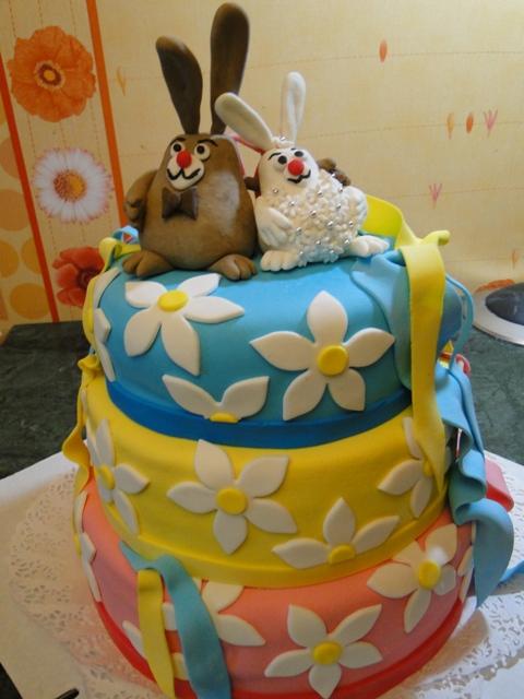 Детские торты-зайцы на заказ фото