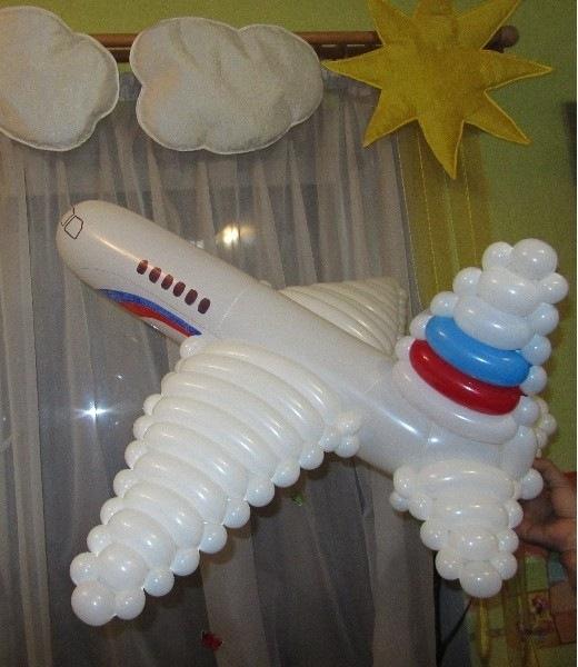 Самолёт из воздушных шаров своими руками