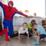 День рождения с Человеком Пауком и фокусниками